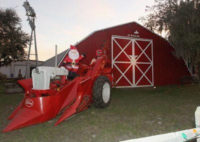 santa-on-tractor